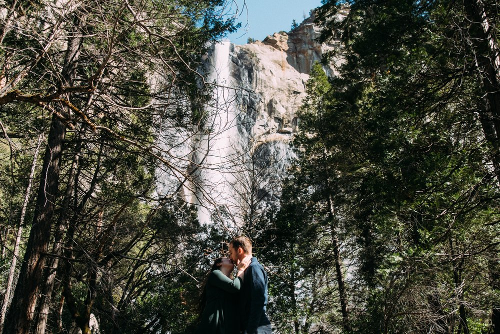 Yosemite Couple Portraits-2.jpg