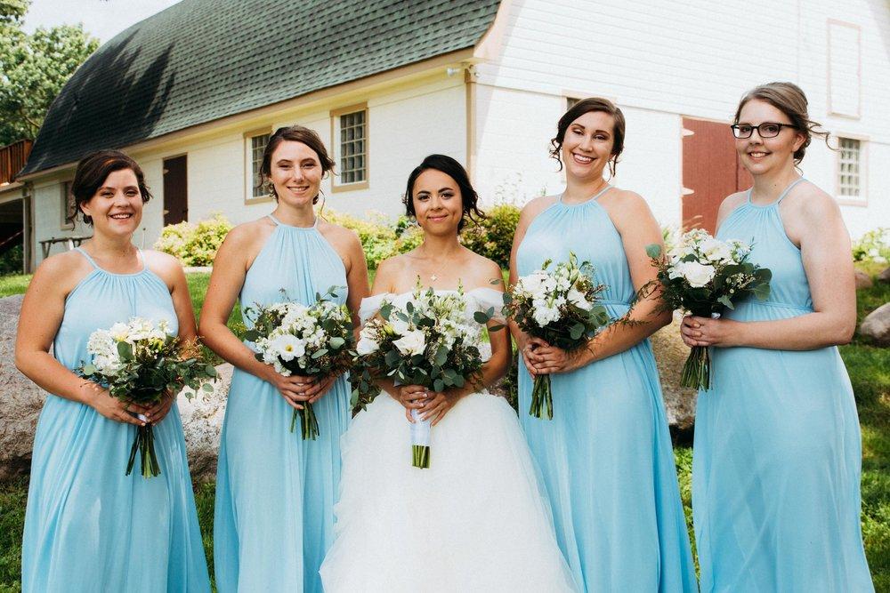 Minnesota_Bridesmaids_Portraits_01.jpg