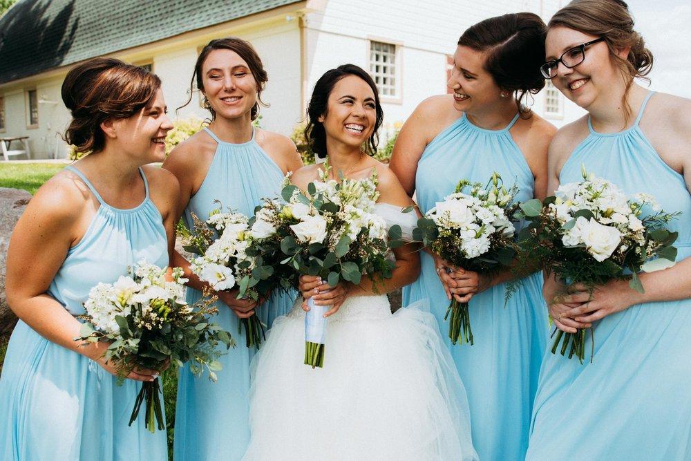 Minnesota_Bridesmaids_Portraits_02.jpg