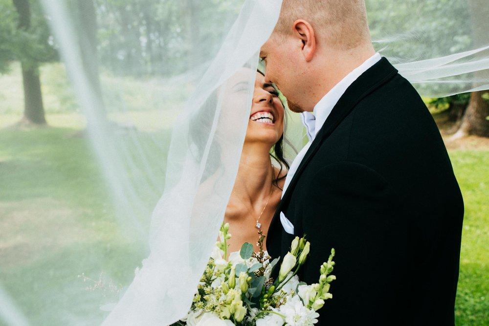 Minnesota_Bride_Groom_Portrait_2.jpg