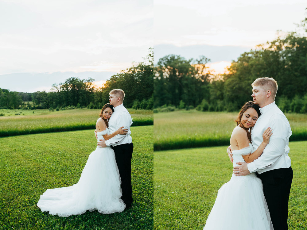 Minnesota_Bride_Groom_Portrait_Sunset_Portraits_Vineyard1.jpg