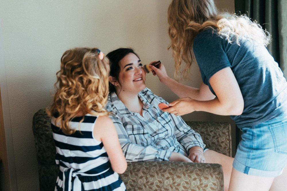 Beth Sam Getting Ready Minnesota Wedding-3.jpg