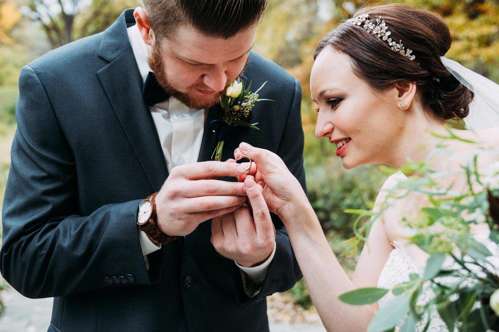 7-Sara_Tom_First_Look_Wedding.jpg
