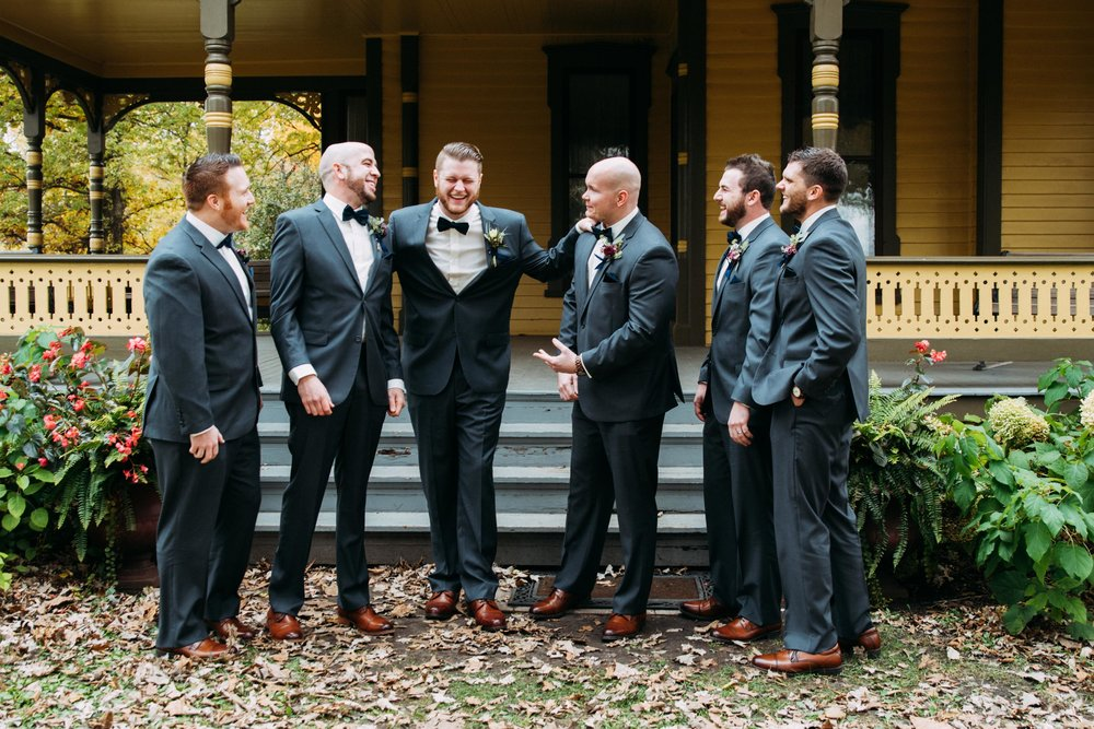 16-Sara_Tom_Wedding_Party_Portraits_Minneapolis_Wedding.jpg