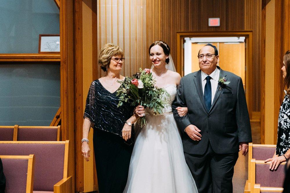 35-Sara_Tom_Minneapolis_Jewish_Wedding.jpg