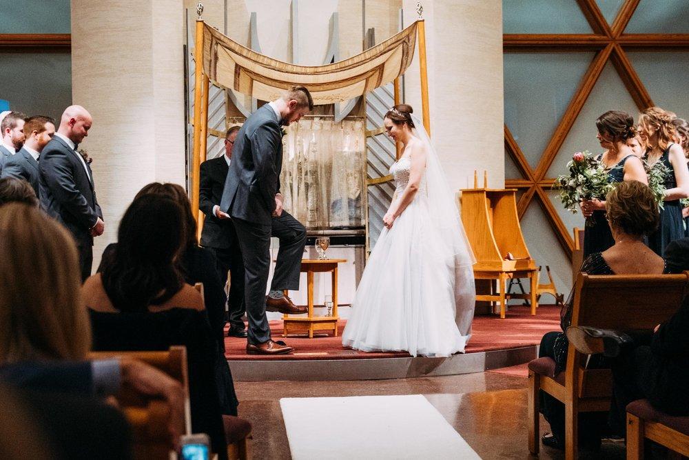 42-Sara_Tom_Minneapolis_Jewish_Wedding.jpg