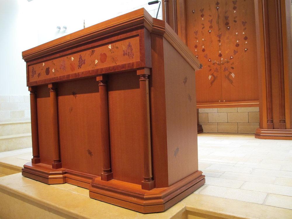 Torah Reading Table