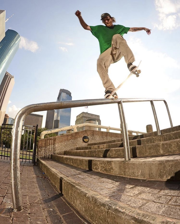 KROOKED GRIND - TAYLOR JETT - PHOTO: INCOMETAXES
