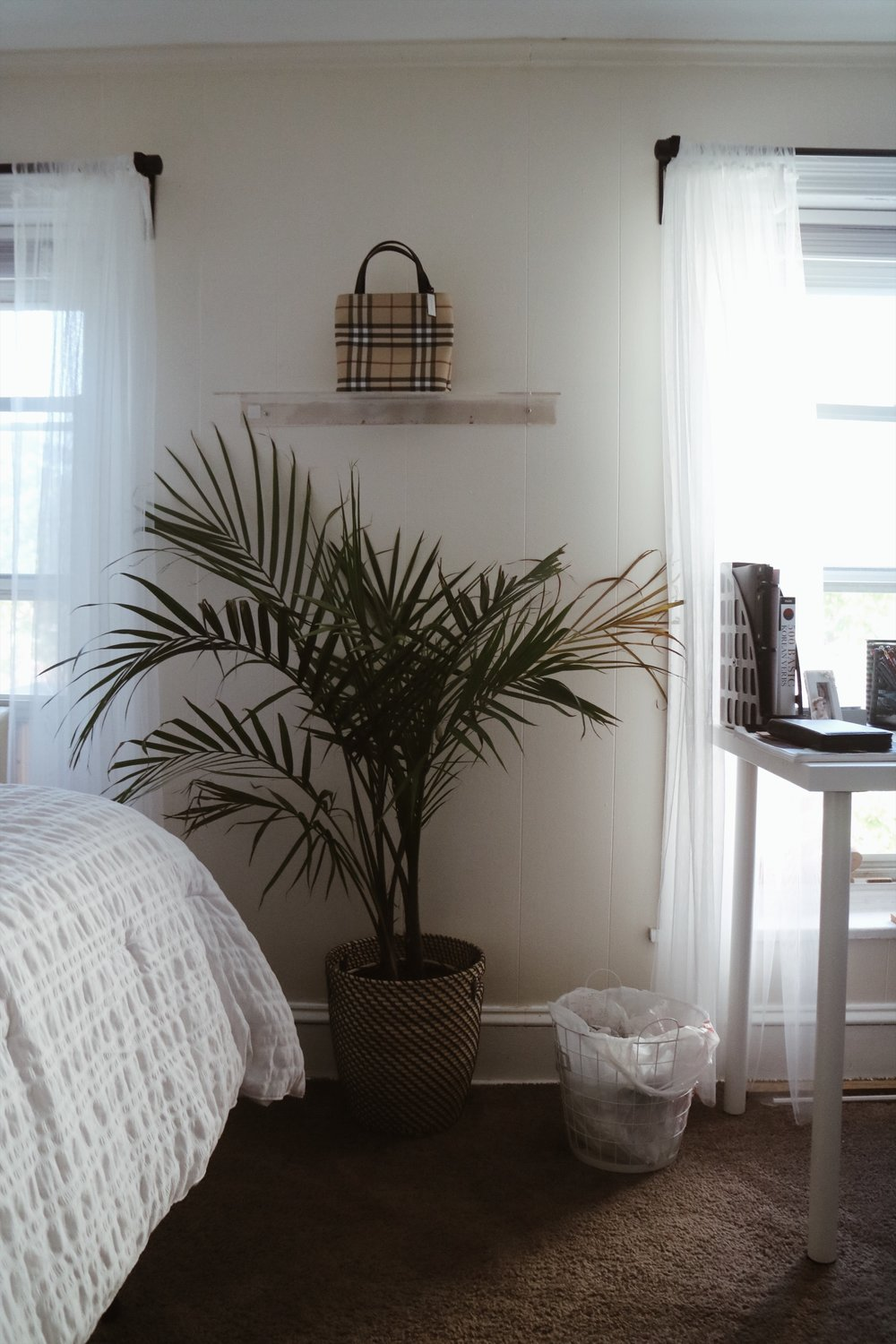 Decorating My Room On A Budget Consciously Claire