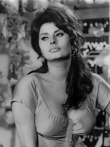 movie-star-news-sophia-loren-wearing-a-scoop-neck-blouse-in-a-portrait_a-G-14448152-8363142.jpg