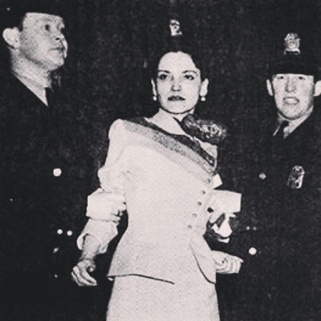 Lolita Lebrón  A leader in the Puerto Rican Nationalist Party, New York Chapter, Lebrón led a small brigade on an attack of the U.S. Congress on March 1, 1954 to bring global attention to Puerto Rico's colonial status. For this act she was incarcerated until 1979. She later became a voice for human rights and non-violent protest against the U.S. Navy's presence on the island of Vieques. #internationalwomensday