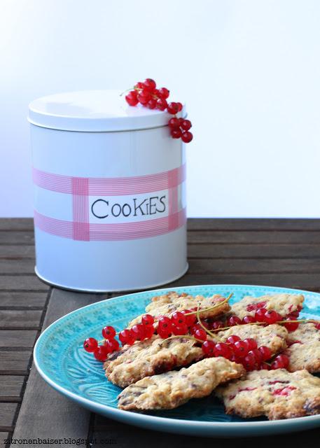 Rezept für Johannisbeer-Cookies mit dunkler Schokolade / THE.WAITRESS. Foodblog