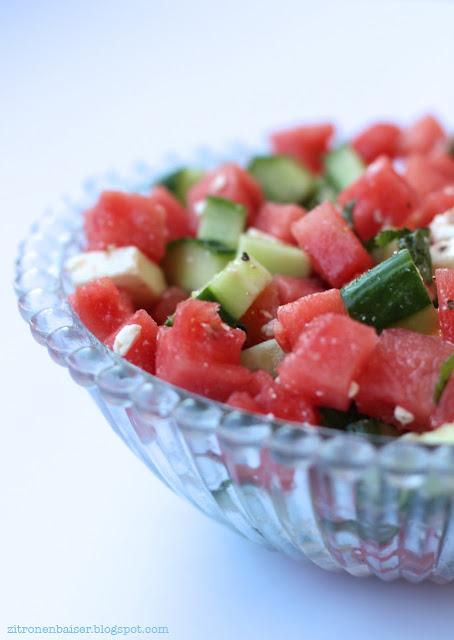 Wassermelone Rezept Melonensalat mit Feta Gurkensalat Minze Sommersalat