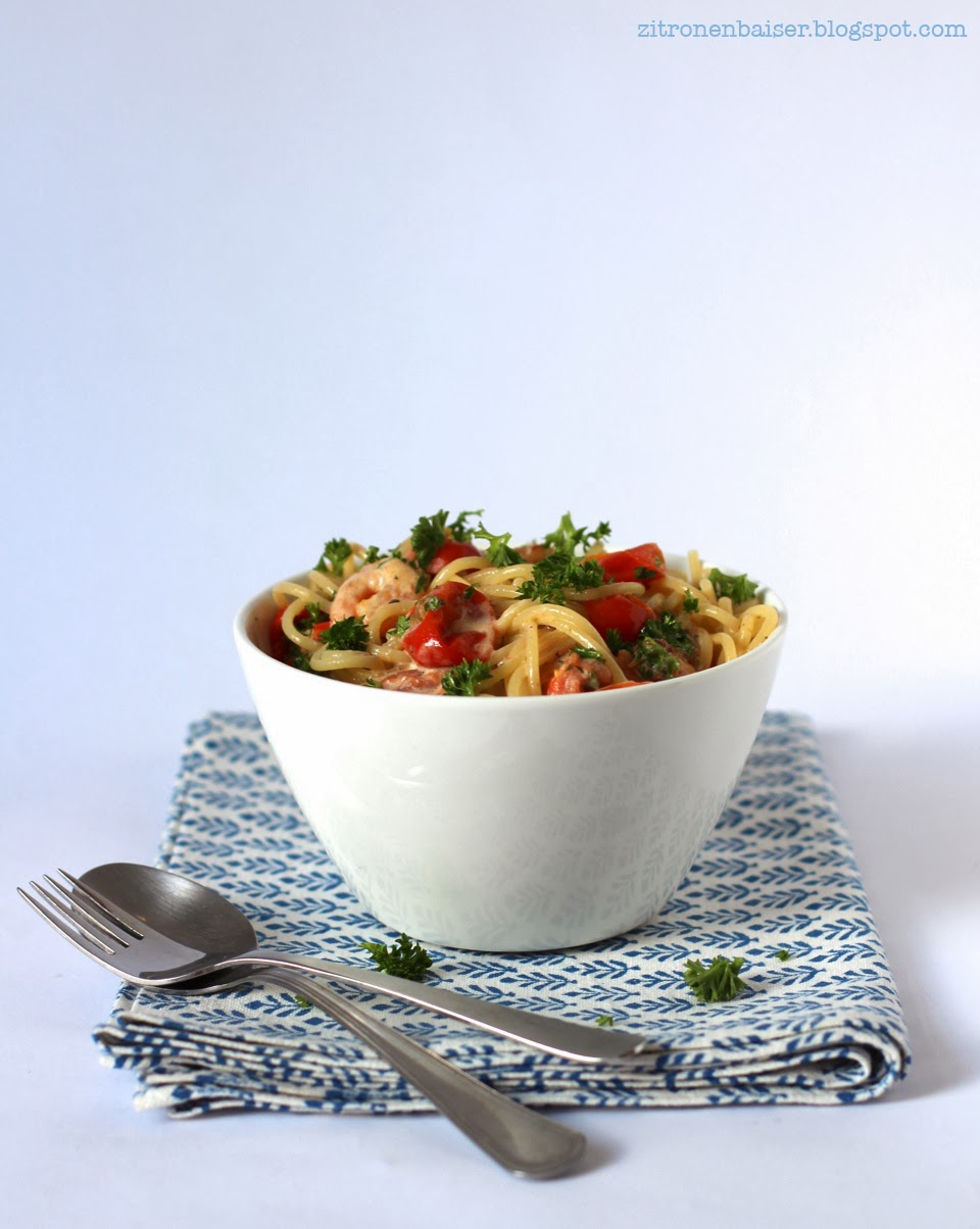rezept_pasta_tomatensauce_shrimps_petersilie_zitrone1.jpg