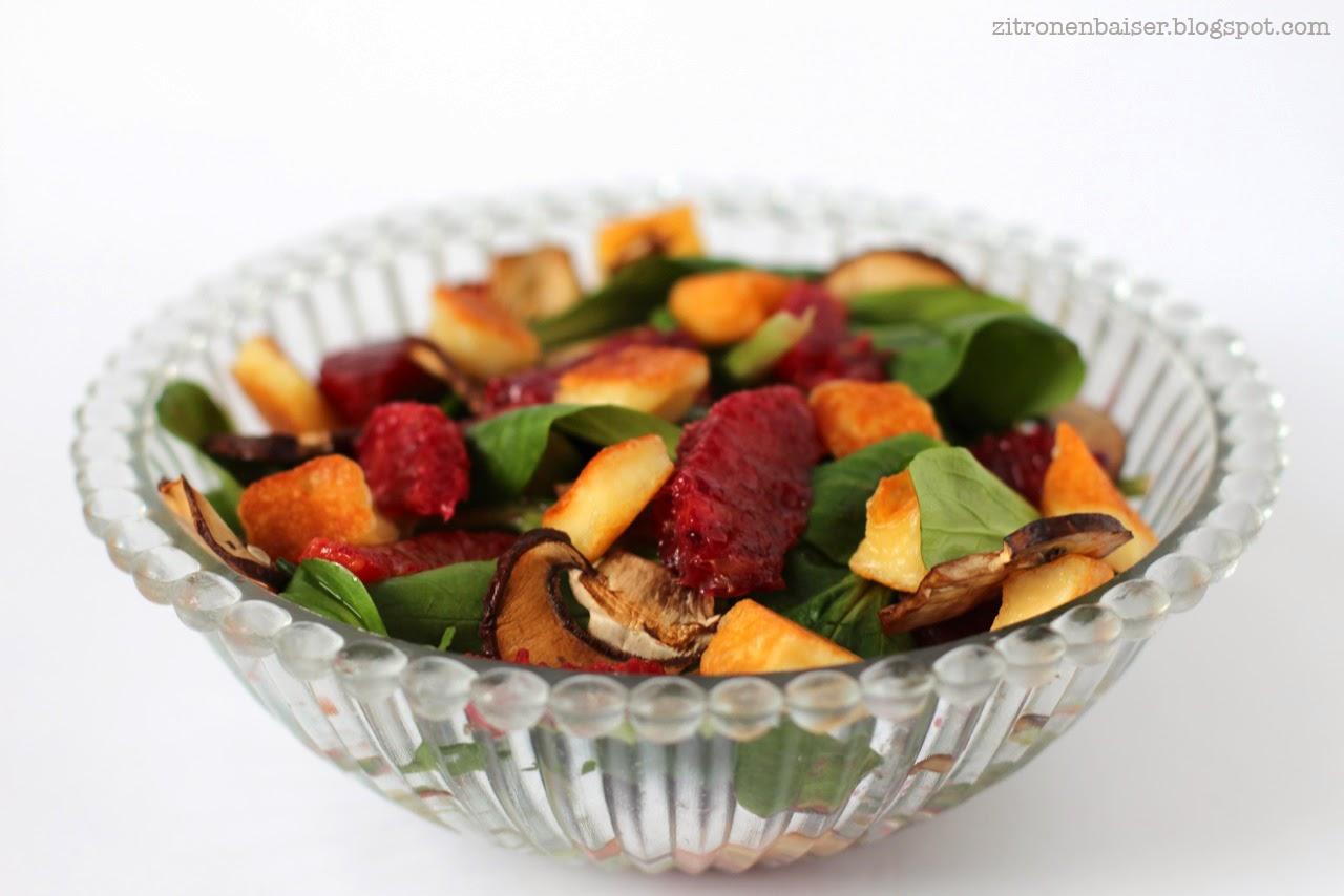 Rezept für Feldsalat mit Blutorangen, Halloumi und gerösteten Champignons / THE.WAITRESS. Blog