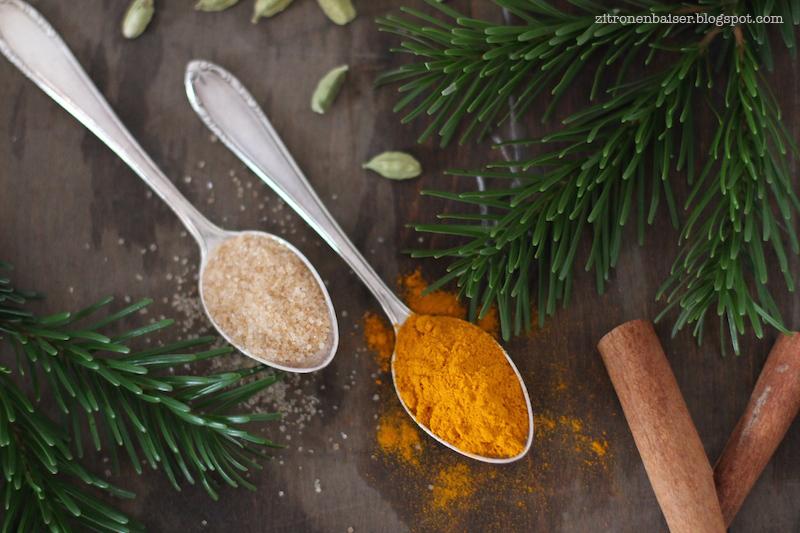 Rezept für ayurvedische Goldene Milch oder Kurkuma Latte / THE.WAITRESS. Blog