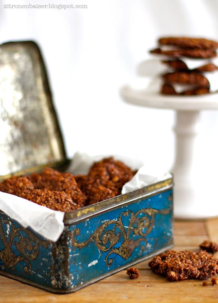 Zum Knuspern gut: Schokoladen-Kokos-Cookies der Extraklasse / THE.WAITRESS. Blog