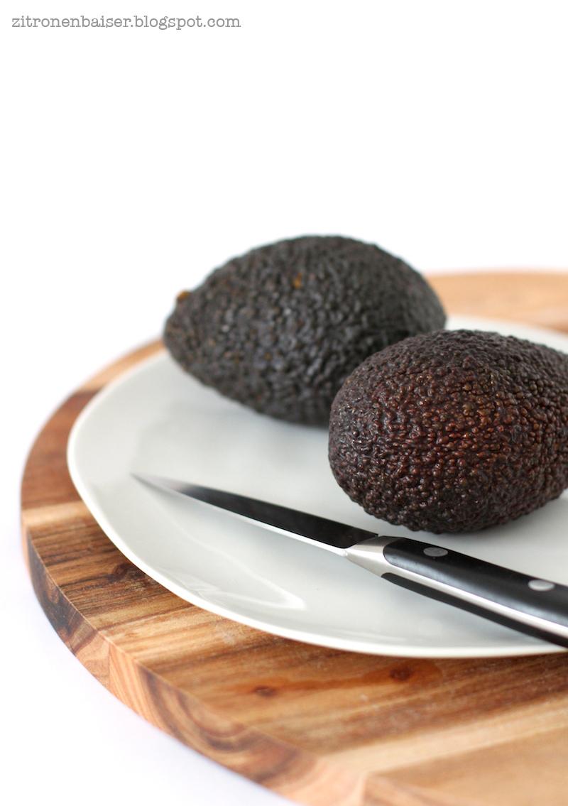 Rezept Avocado-Kakao-Smoothie mit Himbeeren / THE.WAITRESS. Blog