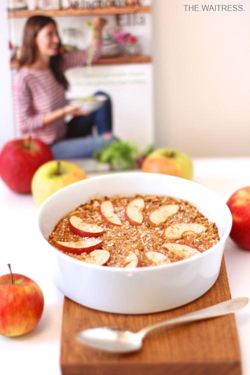 Rezept für Apfel-Zimt-Porridge nach Deliciously Ella / THE.WAITRESS. Blog