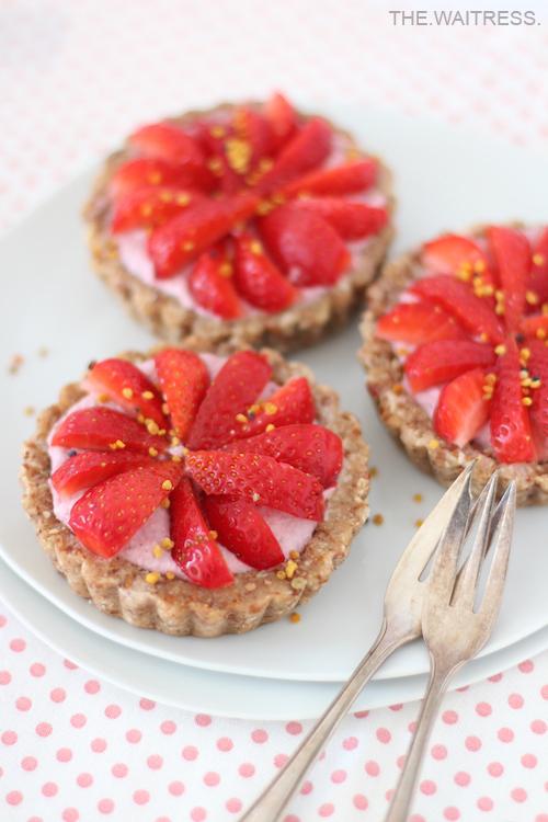 Rezept Erdbeer-Eistoertchen mit Cashewcreme / THE.WAITRESS. Foodblog