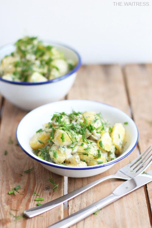 Rezept für den allerbesten und leckersten veganen Kartoffelsalat / THE.WAITRESS. Blog