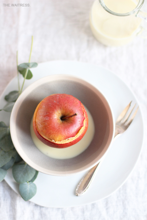 Rezept gefüllter Bratapfel mit Marzipanstreuseln / THE.WAITRESS. Blog