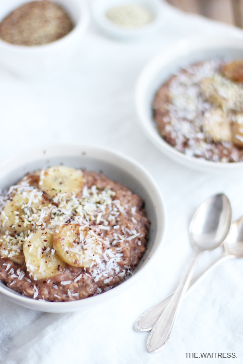 Porridge mit karamellisierter Banane / THE.WAITRESS.
