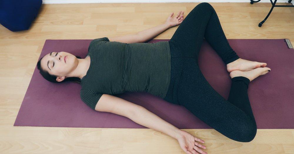 35 days of yoga program - 6 week yoga lifestyle guide - yoga for beginners program
