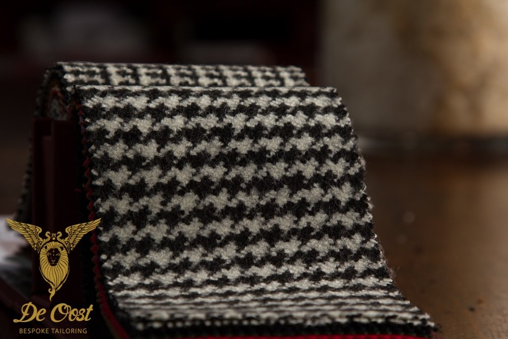 Houndstooth Overcoat fabric from the Pardessus Collection of Holland & Sherry HS1398, available at De Oost.