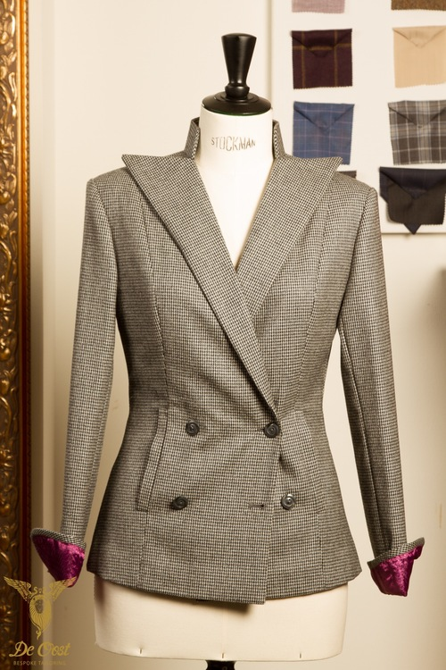 BESPOKE+DOUBLE+BREASTED+HOUNDSTOOTH+LADIES+JACKET+WITH+NOTCH+LAPELS+AND+BUTTONLESS+CUFFS++Purple+Lining.jpg