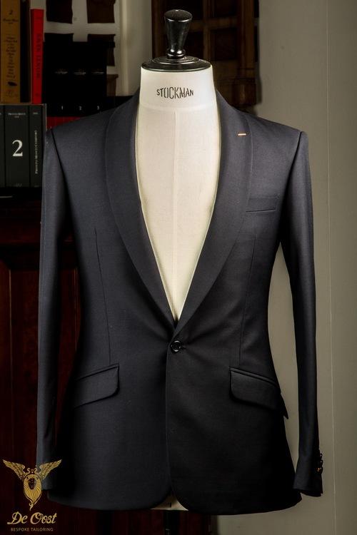 1-knoops+modern+pak+blauw+shawl+kraag+paspelzakken+schuin+met+vest+gilet++(31).jpg
