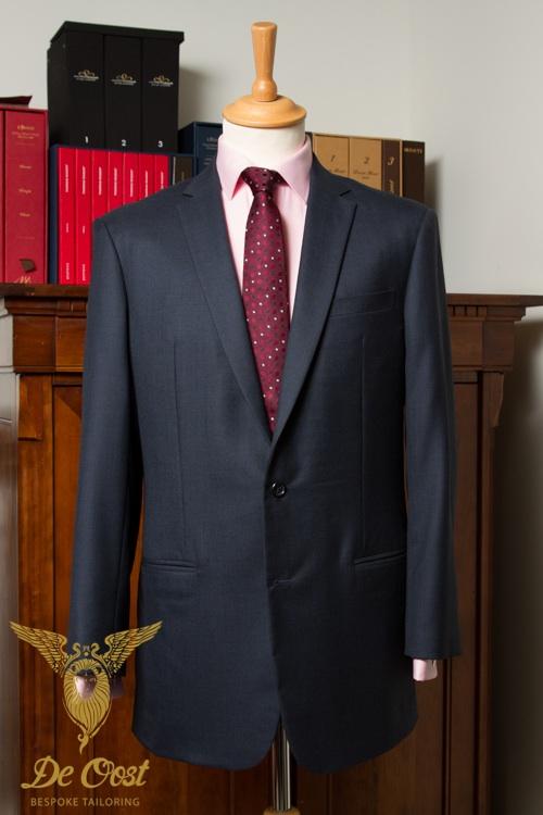 Navy+Suit+Contrast+Color+Shirt.jpg