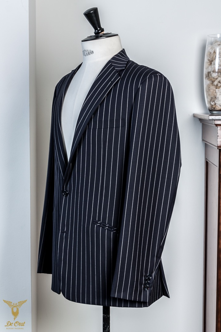 Krijtstreep+maatpak+super+120´s+broek+met+omslag+Chalk+Stripe+Suit+Tailored+280+gram+Huddersfield+Worsted++(19).jpg