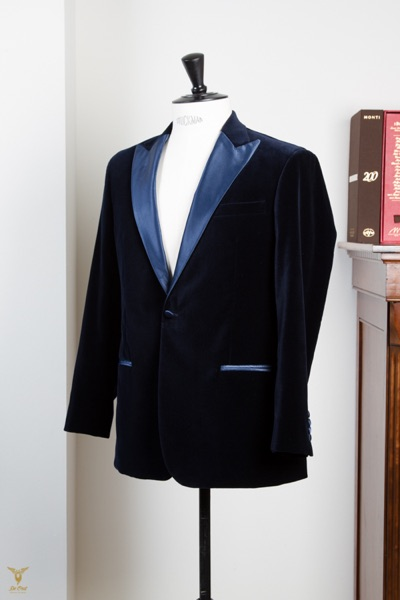 Blue+Velvet+Smoking+With+Light+Blue+Peak+Lapels+(9).jpg