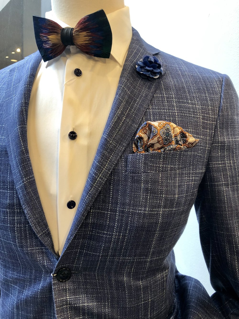 how-to-style-a-suit.jpg