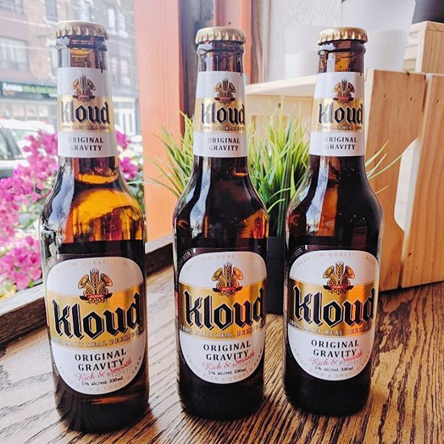 New Korean beer has arrived! Now we serve Kloud, very popular beer in Korea right now 🍺 This is a German Pilsener style beer brewed in Seoul. It tastes super crisp, biscuit, semi sweet malt behind the flavor, smooth, clean finish with lots of carbonation and lite in body. Come and try! Only available at the College location.