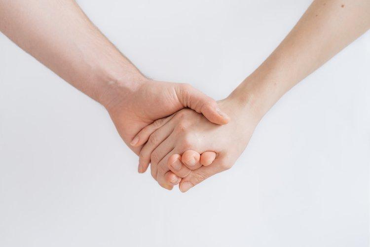Hold hands.jpg