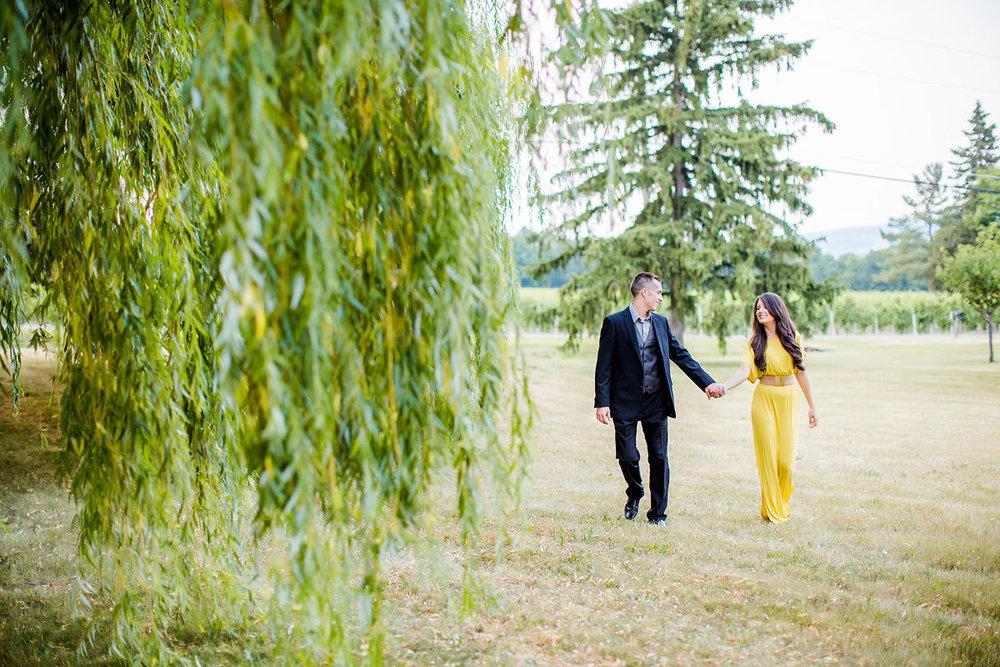 glenora-winery-engagement-photos-09.jpg