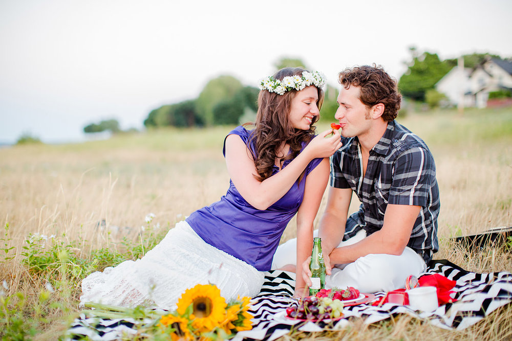 rochester-ny-beach-engagement-photos-30.jpg