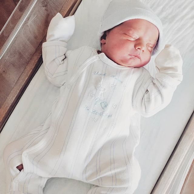 Very excited to share God's abundant blessings in our life with our newest addition. Elijah was born yesterday and we just love him so Soo much 😍😍😍 Praise God for His amazing creation and the love we can experience for these little  ones!!! 😊 @nelyatimoshuk #itsaboy #babyboy #newestaddition #blessingsfromabove #babyelijah #godsblessings #godscreation #littlechildren #babies #babynumber4