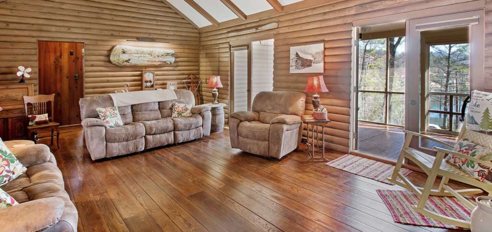 Lakeview Cottage liv 3.png