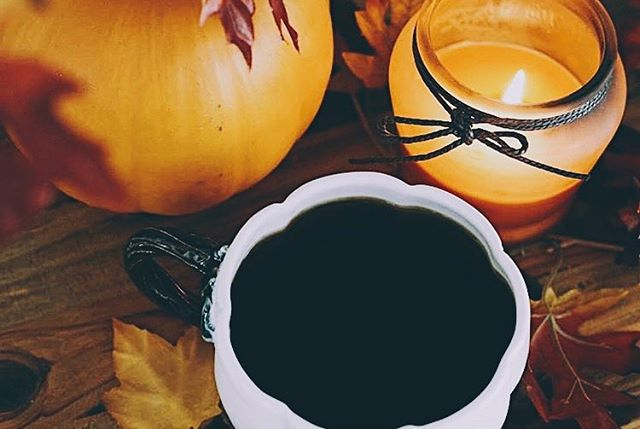 Fall is the best time of the year. 🍂🍁🎃 thanks for the yummy pic @earth.and.sea ! ❤️😍 pumpkin mugs are in the shop!! | link in bio |