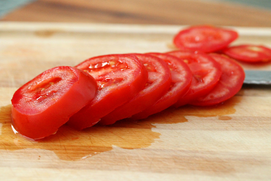 5-sliced-tomatoes