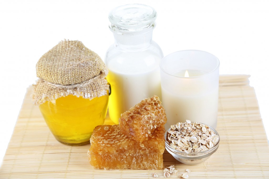 Honey-and-milk-scrub-1024x682