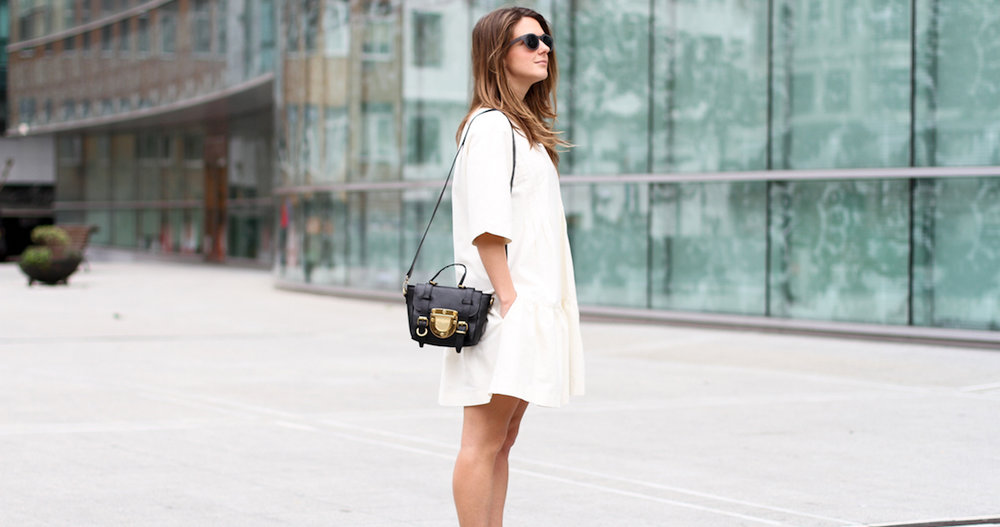 clochet-streetstyle-outfit-sushi-tiny-bag-stories-white-dress-zara-loafers-4.jpg