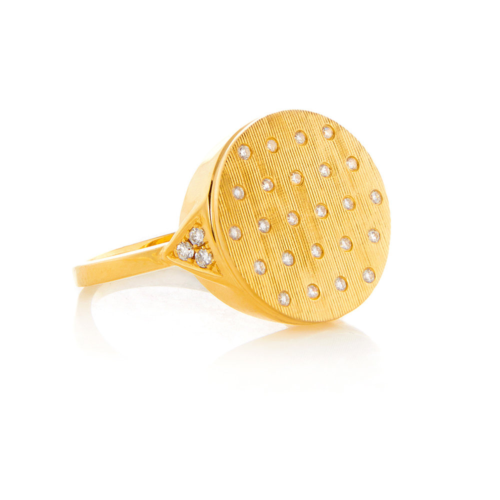 Jane, 18K Yellow Gold, Florentine Finish