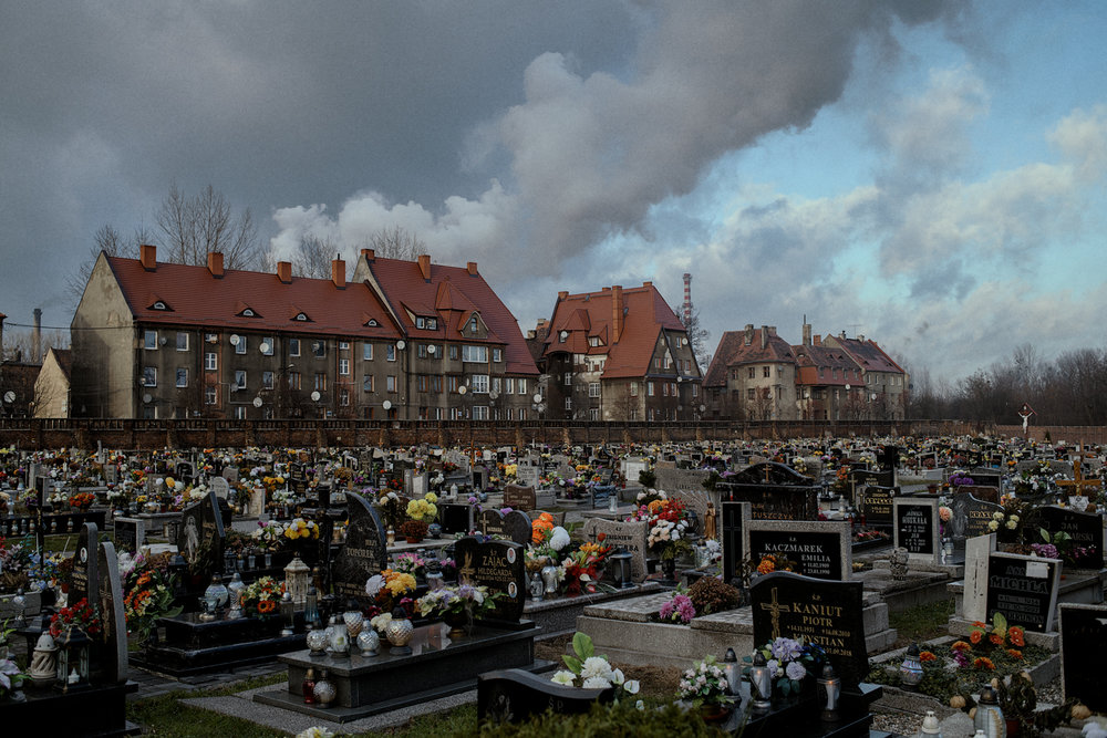 The graveyard in Bobrek. Air pollution increases allergies and is the main source of cardiovascular diseases and breathing problems such as asthma and lung cancer.