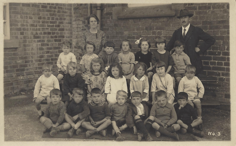 A class from Pen-y-ffordd Junior School, date unknown