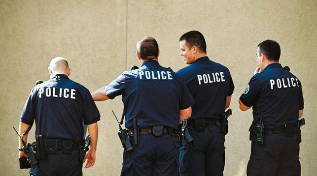 b-police-0ded00e58b.jpg