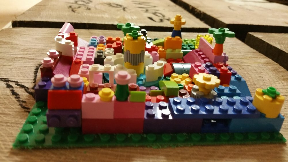 Making the lego cube garden.. made by Cath Larrouy